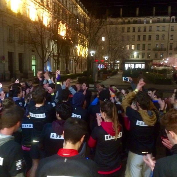 Arrivée de la session Nike Running Club à Lyon rue de la République