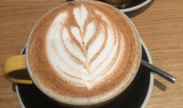 Boisson chaude au Slake Coffee House à Lyon 2